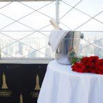 El Empire State Building presenta el paquete de compromiso «Happily Ever Empire» para propuestas inolvidables en su icónico mirador de la planta 86